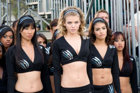 Nicole Tubiola AnnaLynne McCord (center), Smith Cho (center left) and  (center right) in Screen Gems' comedy FIRED UP. Photo credit: Suzanne Tenner. © 2009 Screen Gems, Inc.  All rights reserved.