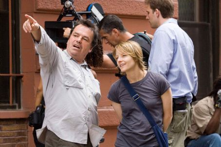 "Neil Jordan Director NEIL JORDAN and JODIE FOSTER as Erica Bain during filming of Warner Bros. Pictures' and Village Roadshow Pictures' psychological thriller ""The Brave One,"" distributed by Warner Bros. Pictures. Photo by Abbot Genser"