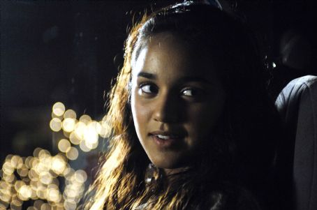Summer Bishil in director Alan Ball's TOWELHEAD, a Warner Independent Pictures release.  PHOTO CREDIT: Dale Robinette © 2007 Twin Flags, L.L.C.