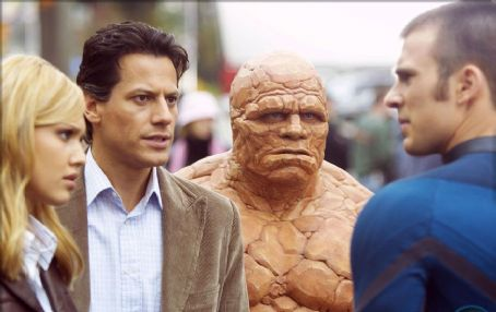 Sue Storm (Left to right) Jessica Alba, Ioan Gruffudd, Michael Chiklis and Chris Evans. ©2005 Fantastic Four/20th Century Fox.