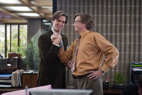 "Rhys Darby (L-r) Carl (JIM CARREY) tells his boss, Norm (RHYS DARBY), about his new way of doing business in Warner Bros. Pictures' and Village Roadshow's comedy ""Yes Man,"" distributed by Warner Bros. Pictures. Photo by Melissa Moseley"