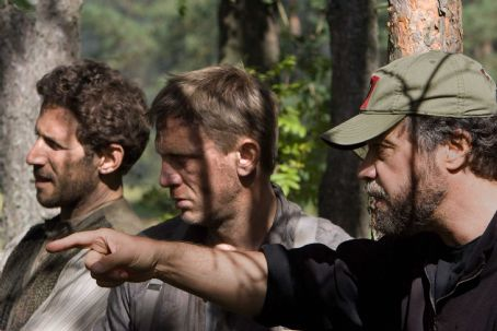 Mark Feuerstein Director Edward Zwick with Daniel Craig and  on the set of DEFIANCE. Photo by Karen Ballard. (c) 2008 by PARAMOUNT VANTAGE, a Division of PARAMOUNT PICTURES.  All Rights Reserved.