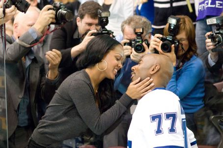 Romany Malco Prudence (Meagan Good, left) is ready to kiss her husband Darren Roanoke (, right) in the comedy 'The Love Guru.' Photo Credit: George Kraychyk. Copyright (c) 2008 by PARAMOUNT PICTURES. All Rights Reserved.