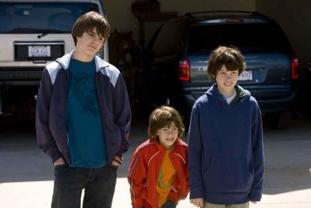 Graham Phillips Johnny Simmons as Dylan, Jimmy Bennett as Ryan and  as Jordan in Universal Pictures' Evan Almighty - 2007