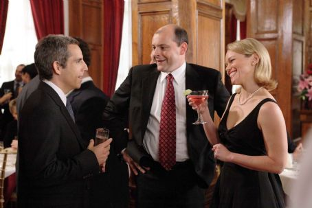 "Lauren Bowles (Left to right) Eddie (Ben Stiller) chats with his close friend Mac (Rob Corddry) and his wife Tammy () at a wedding in ""The Heartbreak Kid."" Credit: Zade Rosenthal. TM & Copyright ©2007 by DreamWorks LLC.  All rights reserved."