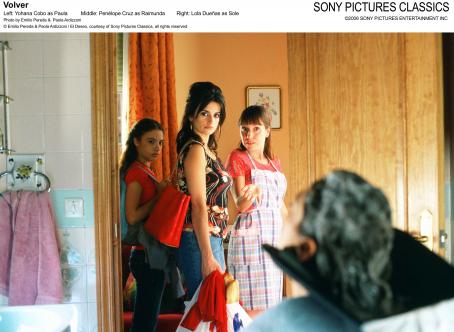 Yohana Cobo Left:  as Paula; Middle: Penelope Cruz as Raimunda; Right: Lola Duenas as Sole. Photo by Emilio Pereda and Paola Ardizzoni © Emilio Pereda and Paola Ardizzoni / El Deseo, courtesy of Sony Pictures Classics, all rights reserved