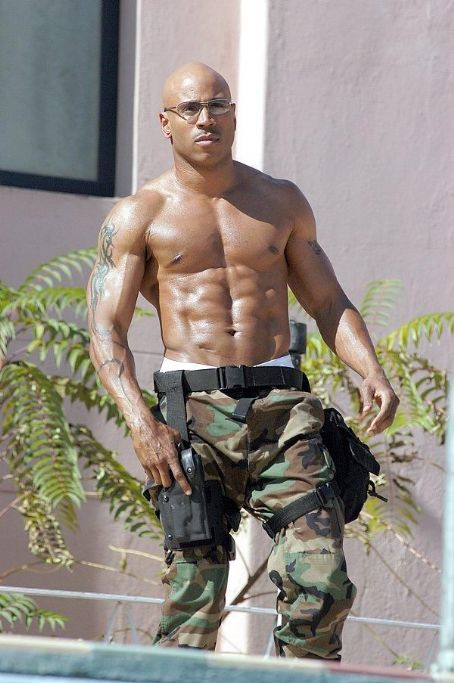 S.W.A.T. James Todd Smith (aka LL Cool J) portrays elite  team member Deacon 'Deke' Kaye.