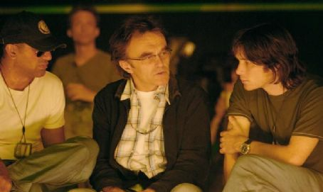 Danny Boyle Director  sits with Cliff Curtis and Cillian Murphy.