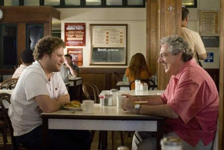 Harold Ramis Ben (Seth Rogen) and Dad () in Judd Apatow directors' Knocked Up - 2007