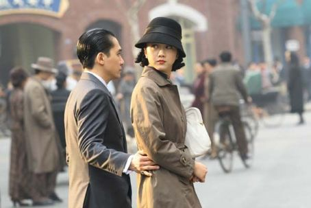 Tony Leung Chiu Wai - Tony Leung (left) and Tang Wei (right) star in Ang LeeÆs LUST, CAUTION, a Focus Features release.