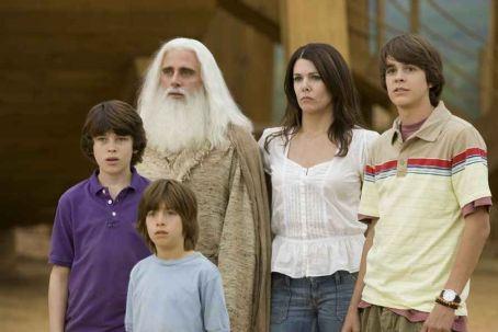 Graham Phillips , Jimmy Bennett, Steve Carell, Lauren Graham and Johnny Simmons in the scene of Evan Almighty