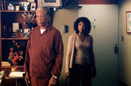 "Beverly Todd MORGAN FREEMAN as Carter and BEVERLY TODD as Virginia in Warner Bros. Pictures' comedy drama ""The Bucket List."" The film also stars Jack Nicholson. Photo by Sidney Baldwin"