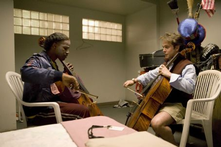 Tom Hollander Nathaniel Ayers (Jamie Foxx, left) with Graham Claydon (, right) in the drama 'The Soloist.' Photo Credit: Francois Duhamel. Copyright (c) 2009 DW STUDIOS L.L.C. and UNIVERSAL STUDIOS. All rights reserved.