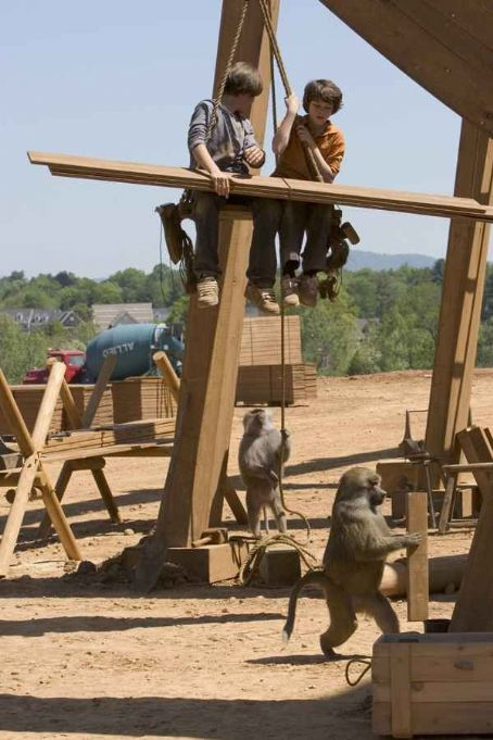 Graham Phillips Johnny Simmons and  in the scene of Evan Almighty - 2007