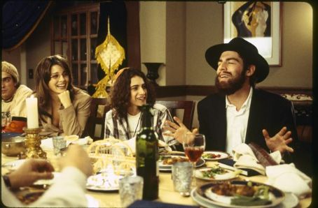 Max Greenfield (L to R) Mili Avital as Vanessa, Shiri Appleby as Nikki Stuckman and  as Ethan Stuckman in Salvador Litvak moving pictures When Do We Eat.