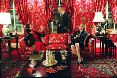 Juliet Stevenson  as Diana Vreeland, Toby Jones as Truman Capote, and Hope Davis as Slim Keith in director Douglas McGrath's Infamous.  Photo Credit: Deana Newcomb © 2005 Warner Bros. Entertainment Inc.