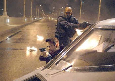 S.W.A.T. Colin Farrell and Samuel L. Jackson portray two  team members on a high-risk assignment.