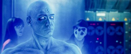 Jackie Earle Haley MALIN AKERMAN as Laurie Jupiter (left, in background), BILLY CRUDUP as Dr. Manhattan and JACKIE EARLE HALEY as Rorschach (right, in background) in Warner Bros. Pictures', Paramount Pictures' and Legendary Pictures' action adventure 'Watchm