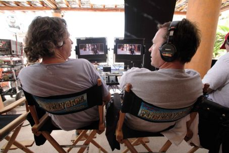 "Peter Farrelly The directing and writing team of Bobby Farrelly (left) and  (right) on the set of ""The Heartbreak Kid."" Credit: Zade Rosenthal. TM & Copyright ©2007 by DreamWorks LLC.  All rights reserved."