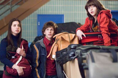 "Gia Mantegna From left to right: Grace (GINA MANTEGNA), Spencer (DYLLAN CHRISTOPHER) and Donna (QUINN SHEPHARD) in Warner Bros. Pictures' and Village Roadshow Pictures' comedy ""Unaccompanied Minors,"" distributed by Warner Bros. Pictures. Photo"