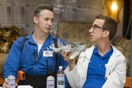 Andy Dick Russell (Harland Williams) and Lon () in EMPLOYEE OF THE MONTH. Photo credit: John Johnson.