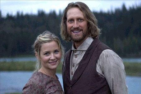 Jessica Capshaw as Rachel Wheeler in TNT's Into the West