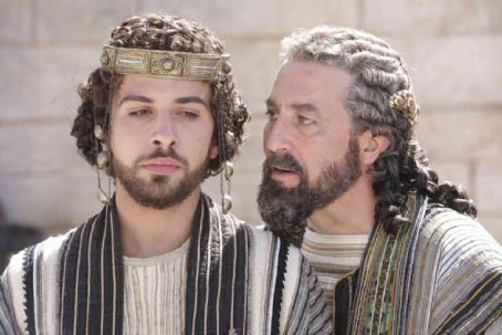 "Ciarán Hinds Alessandro Giuggioli (left) stars as ""Antipas"" and Ciaran Hinds (right) stars as ""King Herod"" in New Line Cinema's release of Catherine Hardwicke's drama, The Nativity Story. Photo Credit: ©2006 Jaimie Trueblood/New Lin"