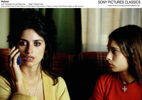 Yohana Cobo Left: Penelope Cruz as Raimunda.; Right: . Photo by Emilio Pereda and Paola Ardizzoni / El Deseo. Courtesy of Sony Pictures Classics, all rights reserved