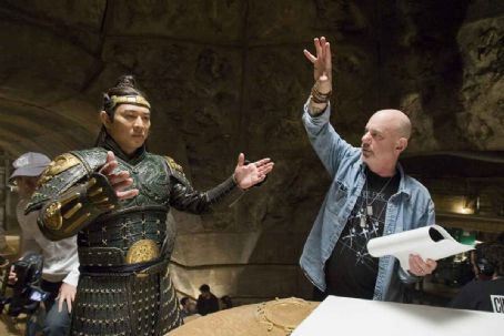 Rob Cohen JET LI as the vicious Emperor and director ROB COHEN on the set.
