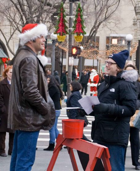 "David Dobkin VINCE VAUGHN as Fred Claus and director DAVID DOBKIN on the set of Warner Bros. Pictures' holiday comedy ""Fred Claus,"" distributed by Warner Bros. Pictures. The film also stars Paul Giamatti. Photo by Zade Rosenthal"