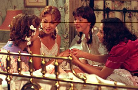 Jacqueline McKenzie Kiersten Warren, Ashley Judd,  and Katy Selverstone in Divine Secrets of the Ya Ya Sisterhood - 2002