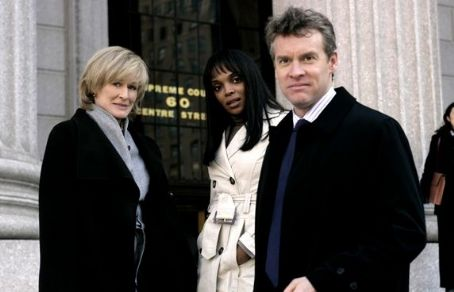 Damages Patty (Glenn Close), Felicia (Marlyne Afflack) and Tom (Tate Donovan) in .