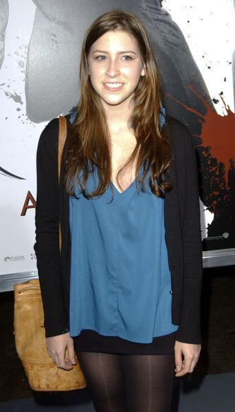 Sue Heck Actress http://photos.lucywho.com/eden-sher-photos-t304335.html