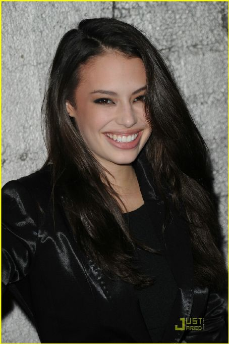 Chloe Bridges - Wallpaper Gallery