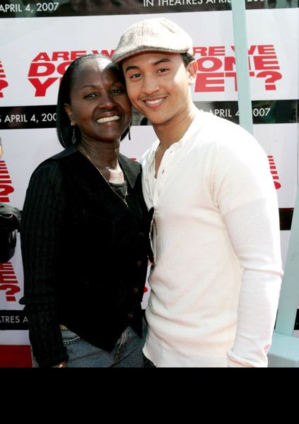 Tahj Mowry  on red carpet w/mom