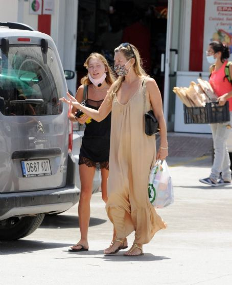 Kate Moss with Rita Ora – Lunch during holiday in Ibiza