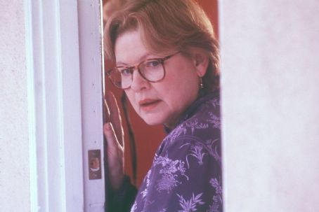 Dianne Wiest  in New Line's I Am Sam - 2001